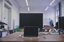 Sdílené místo v kanceláři s reklamní agenturou