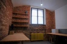 Kancelář v suterénu v prvorepublikové vile